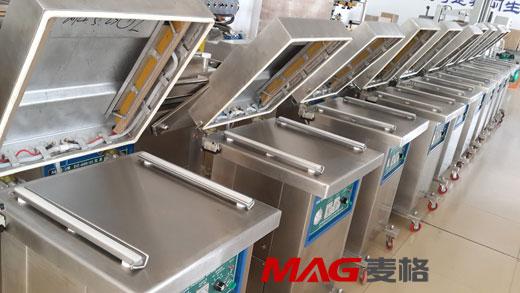 单室真空包装机以塑料复合薄膜或塑料铝箔复合